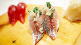 アイキャッチ:寿司(アジとまぐろ)