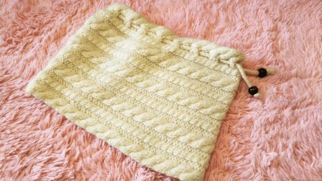 手編みのネックウォーマー
